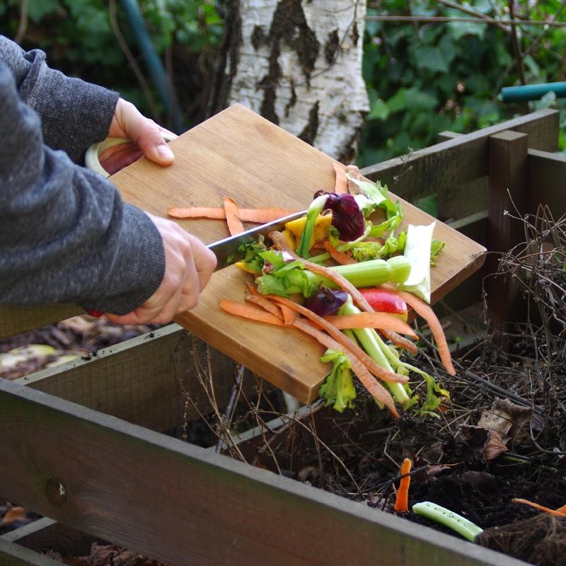 Komposteeri- hoia toitu